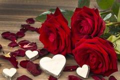Rose per il biglietto di S. Valentino e la festa della mamma Immagini Stock Libere da Diritti