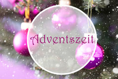 Rose Quartz Christmas Balls, Adventszeit veut dire Advent Season Photographie stock
