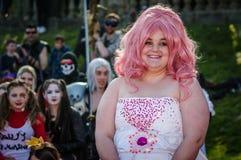 `-Rose Quartz ` som är cosplay på den Scarborough science fictionen Royaltyfria Foton
