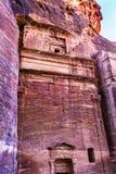 Rose Red Rock Tomb Street das fachadas Petra Jordan Fotos de Stock Royalty Free