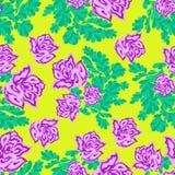 Rose rosa su un modello senza cuciture del fondo giallo Fotografia Stock Libera da Diritti