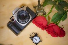 Rose rouge et temps avec une visite mémorable photographie photographie stock libre de droits