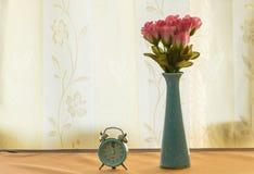 Rose sur le pot Image stock
