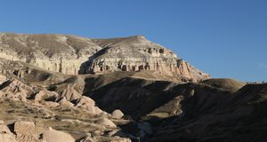 Rose Valley in Cavusin-Dorp, Cappadocia, Nevsehir, Turkije royalty-vrije stock afbeeldingen