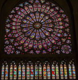 Rose Window Mary Jesus Stained-Glas Notre Dame Paris France royalty-vrije stock afbeeldingen
