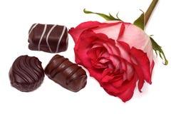 Rose y chocolate fotografía de archivo