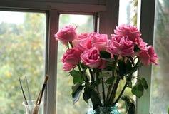 Rose y la pluma china del cepillo de la caligrafía Fotografía de archivo libre de regalías