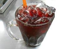 Roselle Drink op Aluminiumlijst Royalty-vrije Stock Afbeeldingen
