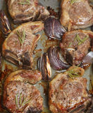 rosemary лука овечки chops стоковое изображение