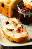 Rosemary Tomato Parmesan Bread Stijlplattelander stock afbeeldingen