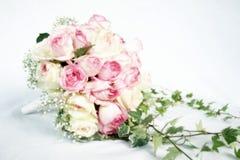 Rosen-Blumenstrauß Stockfotos