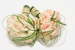 Rosen-Blumenstrauß auf Weiß Stockfotos