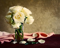 Rosen in einem Vase Stockbild