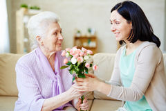 Rosen für Mama Stockbild
