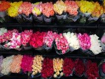 Rosen am Markt stockfoto