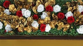 Rosen mit Gold stockbild