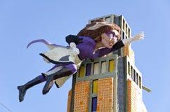 Rosen-Paradefloss mit Superhelden Stockbilder