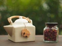 Rosen-Teezeit Stockbild