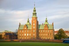 Rosenborg城堡在11月微明下 哥本哈根 免版税库存照片