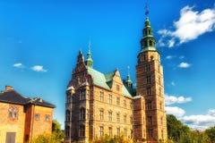 Rosenborg slott och konung`en s arbeta i trädgården Fotografering för Bildbyråer