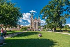 Rosenborg slottträdgårdar och slotten i Köpenhamn Royaltyfri Fotografi