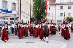 Rosenheim, Duitsland, 09/04/2016: De parade van het oogstfestival in Rosenheim stock afbeelding
