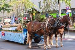Rosenheim, Germania, 09/04/2016: Parata di festival del raccolto in Rosenheim Fotografia Stock