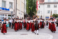 Rosenheim Tyskland, 09/04/2016: Tacksägelsefesten ståtar i Rosenheim Fotografering för Bildbyråer