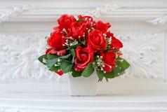 Roses artificielles dans le style de vintage Photo stock
