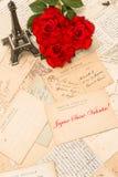 Roses, cartes postales de vintage, Tour Eiffel de Paris Image libre de droits