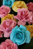 Roses d'origami faites de papier Photo stock