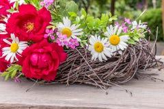 Roses and daisies Royalty Free Stock Photos