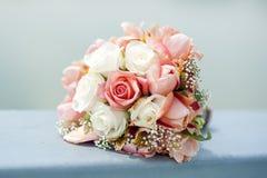 Roses de bouquet pour épouser Photographie stock