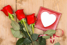 Roses de cadeau avec l'espace vide Photo libre de droits