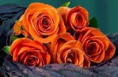 Roses de corail de bouquet à donner avec amour, Photo libre de droits