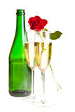 Roses du jour de Valentine et vin de champagne d'isolement Images libres de droits