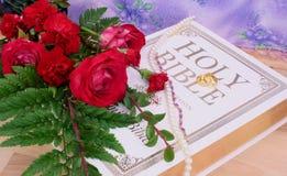 Roses et boucles de mariage photos libres de droits