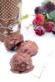 Roses et carte douce de café de chocolat pour l'amour Image libre de droits