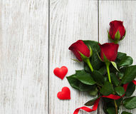 Roses et coeurs rouges Images libres de droits