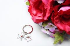 Roses et groupe faux d'amour Photos stock