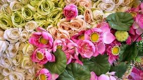 Roses et Lotus faits en tissu Photos stock