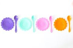 Roses, pourpre, bleu vert, les plats de couleur ont placé d'isolement sur le blanc Photo libre de droits
