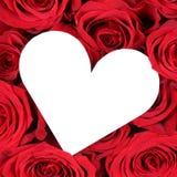 Roses rouges avec le coeur comme amour sur la Saint-Valentin ou le mariage Photo stock