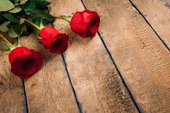 Roses rouges du jour trois du ` s de Valentine Image libre de droits