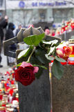 Roses sur le coin du monument de Wenceslas Photographie stock