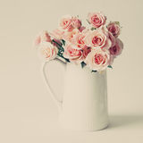 Roses in white vase Royalty Free Stock Photography