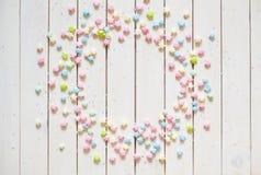 Rosetón de papel en colores pastel brillante colorido Adornamiento para un partido Imágenes de archivo libres de regalías