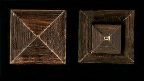 Rosette décorative carrée tétraédrique des bandes de encadrement en bois Photo libre de droits
