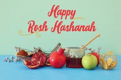 Rosh hashanah & x28; żydowski nowego roku holiday& x29; pojęcie symbole tradycyjni zdjęcia stock