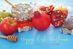 Rosh hashanah & x28; żydowski nowego roku holiday& x29; pojęcie symbole tradycyjni zdjęcie stock